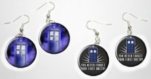 2 pairs of Dr. Who Tardis earrings